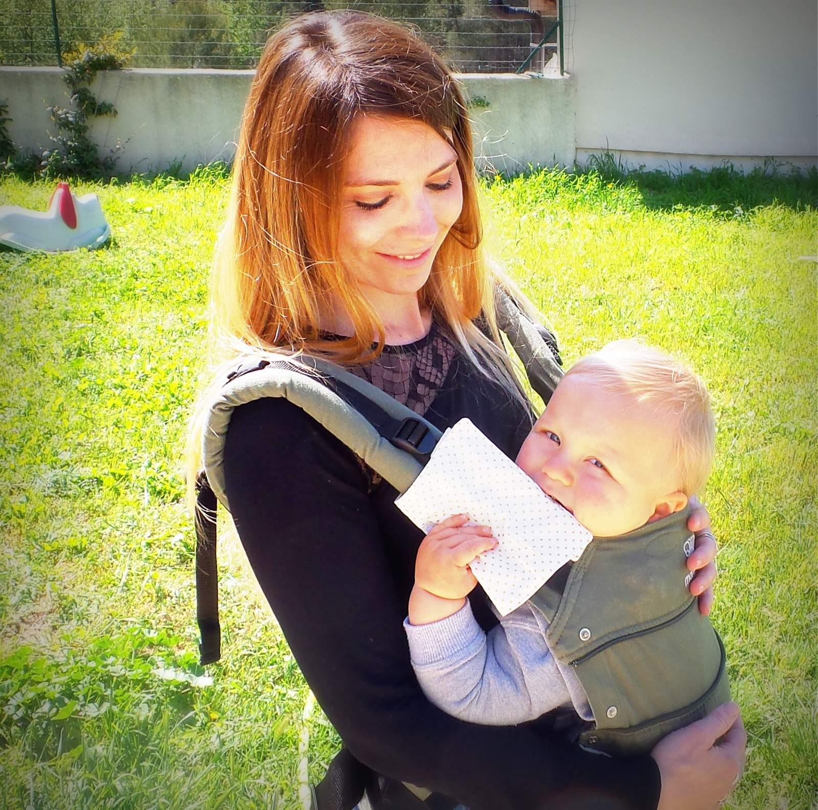 Protège bretelle porte bébé