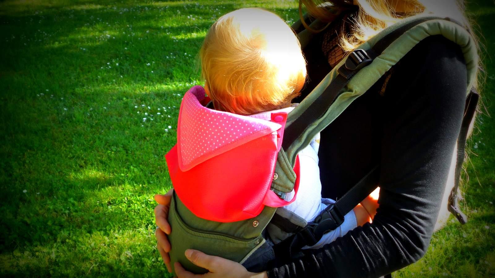 Sac pour porte bébé rose à pois