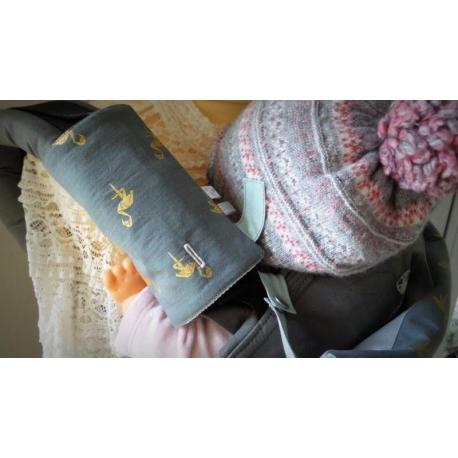 Accessoires pour porte bebe   Protège bretelle porte bébé argenté f4c08c8771b