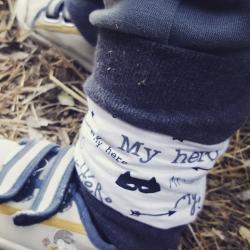 "Guêtre bebe ""mon fils ce héros"""